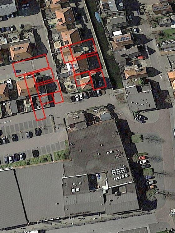 Huidige situatie met markering voormalige posities gebouwen